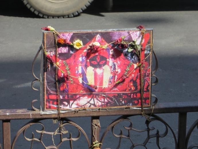 A roadside Kali altar in Kolkata